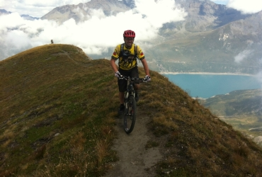 bicicletta trekking mountain bike tour